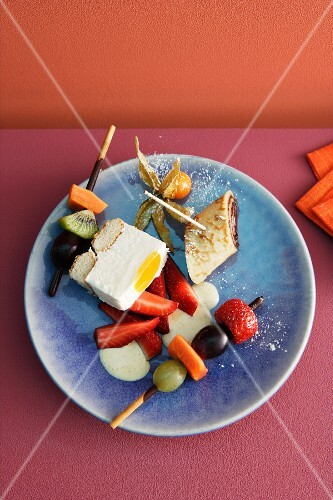 Pancake rolls, semifreddo and fruit skewers