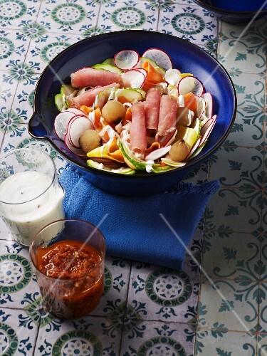 Vegetable salad with pickled pork
