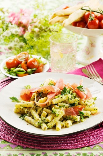 Pasta with broccoli pesto and ham
