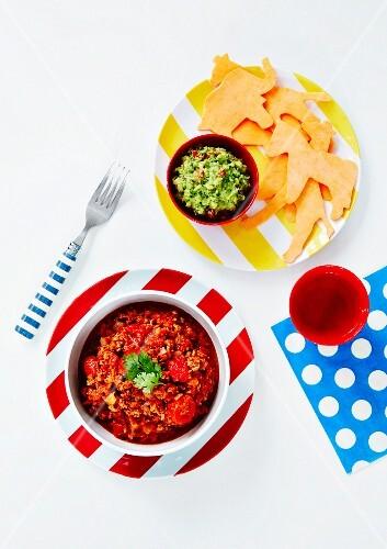 Chilli con carne and guacamole (Mexico)