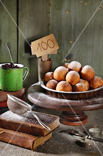 Quark balls dusted with icing sugar