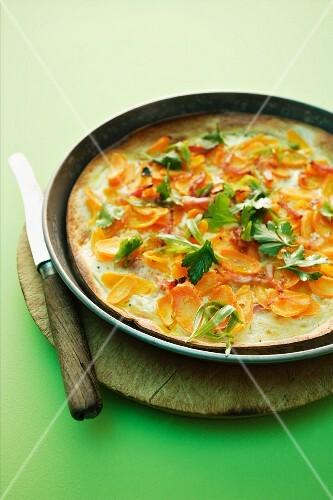 Carrot tarte flambée with parsley