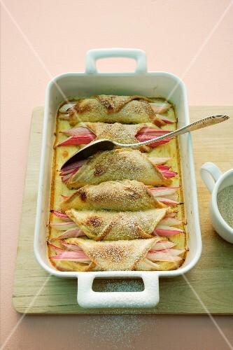 Rhabarber-Brot-Auflauf