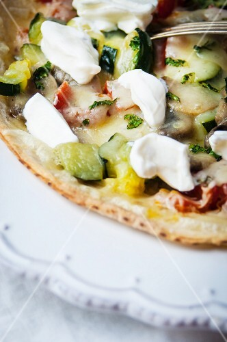 Tortilla pizza with sour cream and vegetables (Mexico)