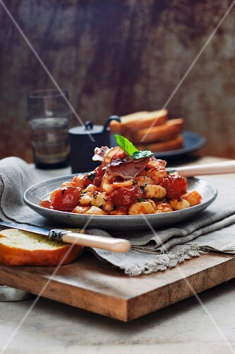 Gnocci with Pancetta and tomatoes