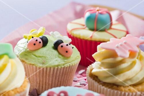 Decorated cupcakes (close-up)