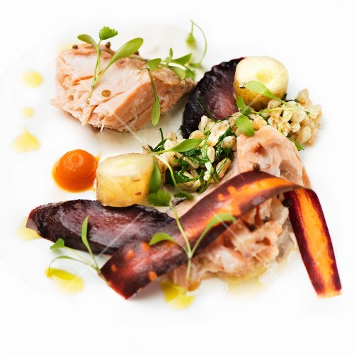Salmon fillet with Ebly and carrots