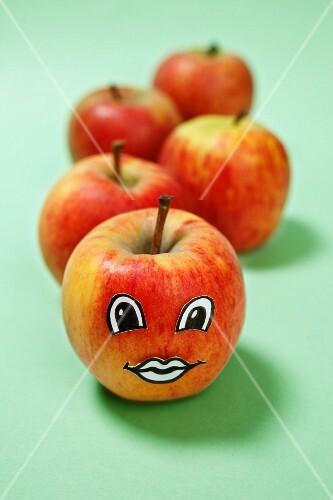 An apple with a face