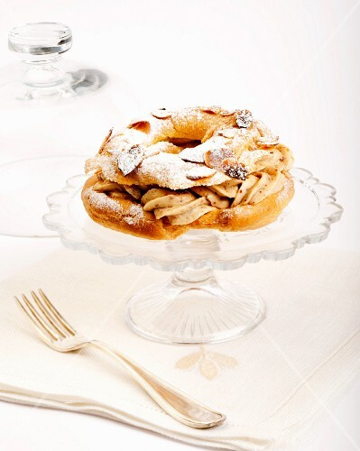 Paris Brest (choux pastry with hazelnut cream, France)