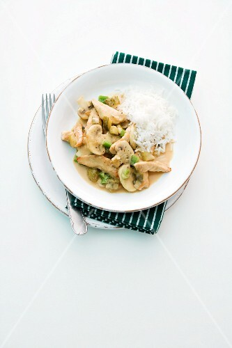 Turkey with mushrooms, peppers and rice