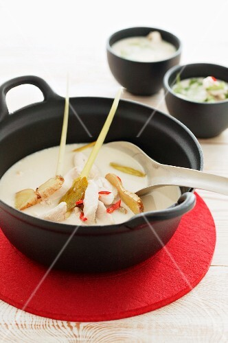 Coconut soup with chicken and ginger