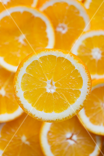 Orange slices seen from above (close-up)