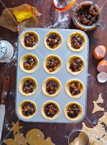 Unbaked mince pie in a baking tin