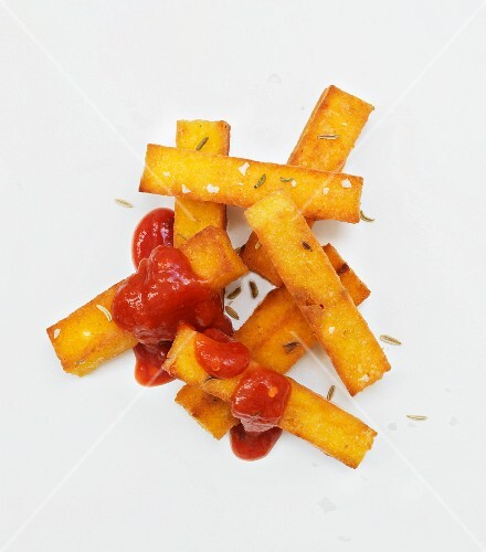 Polenta chips with ketchup