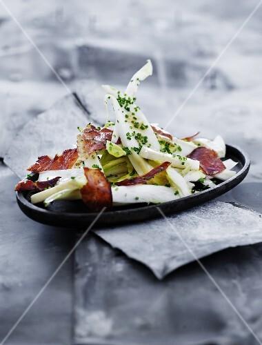 Chicory salad with crispy bacon