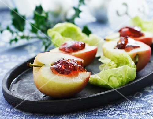 Baked apples with redcurrant jam