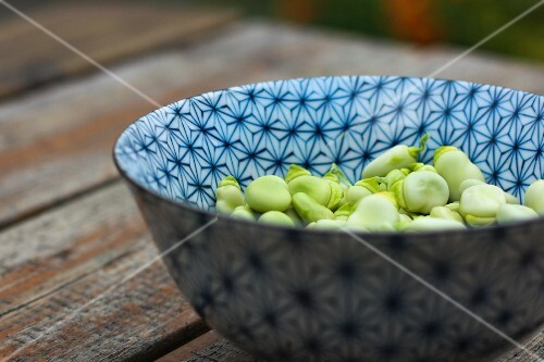 A bowl of beans