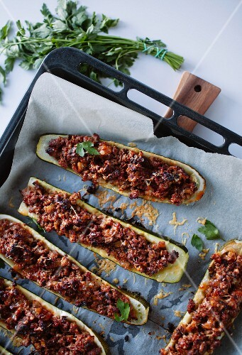 Stuffed courgettes with minced beef