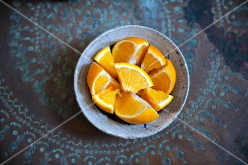 A bowl of orange slices