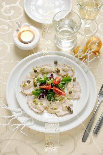 Turkey fillet with tuna sauce and capers (Christmas)