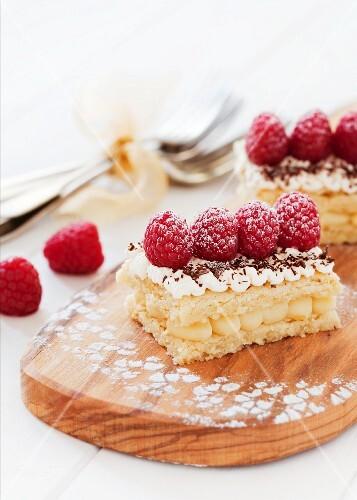Lemon shortbread slices topped with raspberries