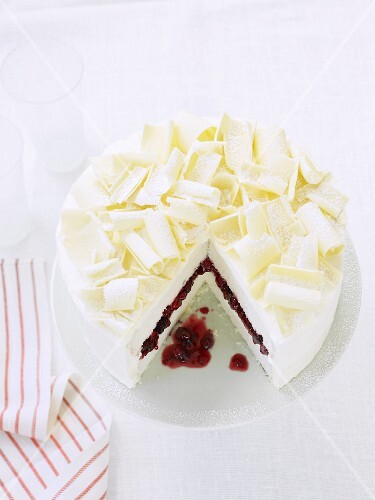 White chocolate cake, sliced