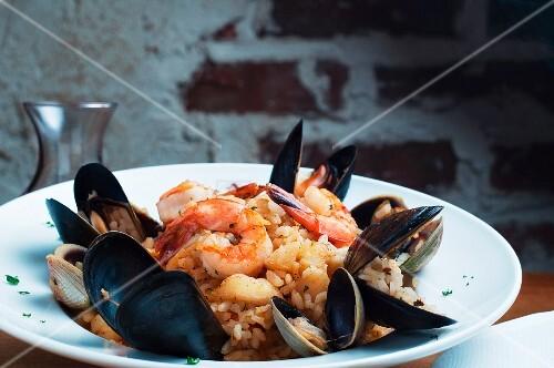 Risotto ai frutti di mare (risotto with seafood, Italy)