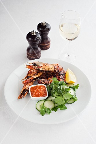 Grilled scampi with a chilli dip