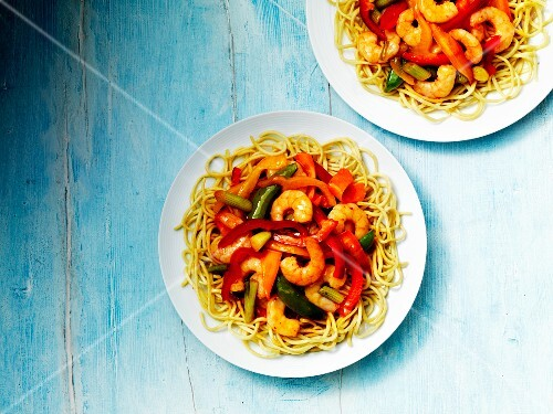 Oriental noodles with prawns and a sweet and sour sauce