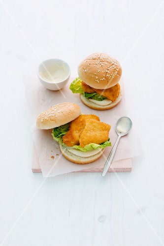 Chicken fillet burgers with lettuce and mayonnaise