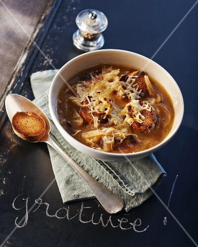 Gratinated onion soup