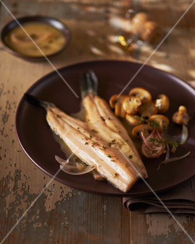 Trout fillets with mushroom sauce