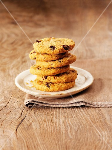 A stack of raisin cookies