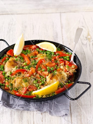 Paella with chicken and red peppers