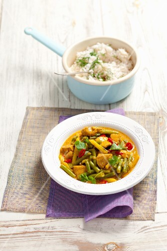 Turkey breast curry with green beans and chilli