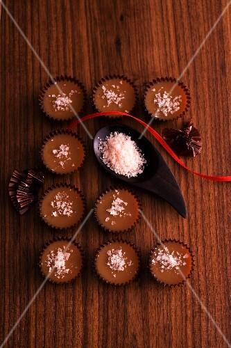 Caramel confectionery with fleur de sel