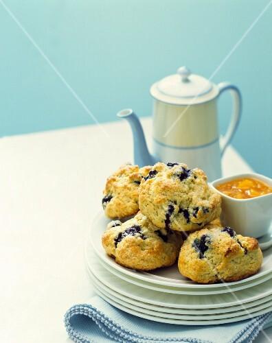 Blueberry scones with tea