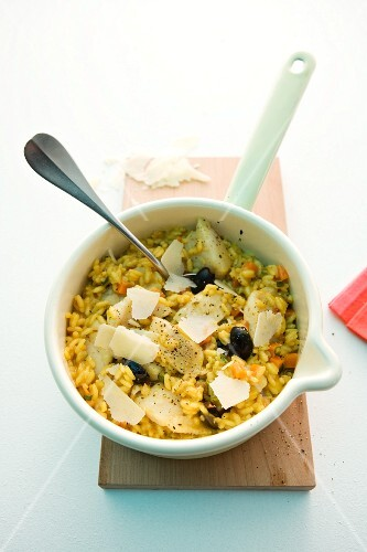 Fried rice with pangasius fillet
