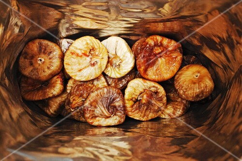 A bag of dried figs (seen from above)