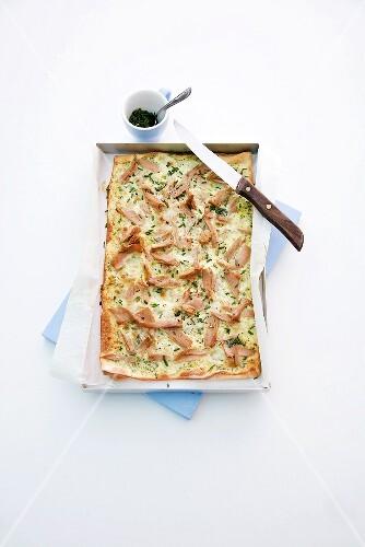 Tuna tarte flambée with chives
