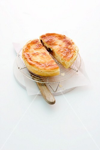 Pear pie with chocolate