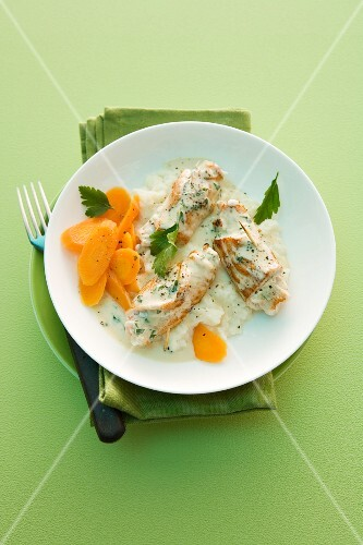 Turkey roulade with cream cheese, carrots and mashed potatoes