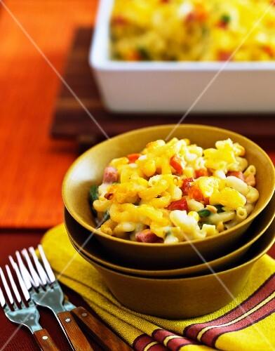 Macaroni and cheese (Nudelauflauf mit Käse, USA)