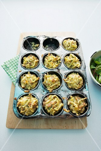 Spicy noodle muffins
