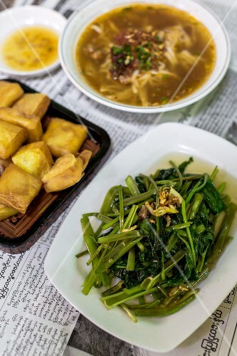 Noodle soup, tofu and a vegetable platte (Myanmar)