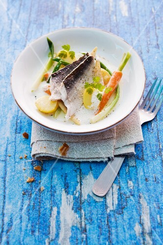 Whitefish fillets steamed with verbena sauce