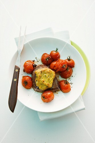 Beefsteak with a polenta and gorgonzola crust