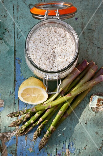 Ingredients for asparagus risotto