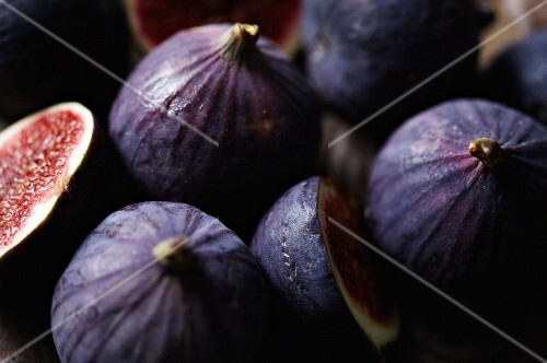Fresh red figs