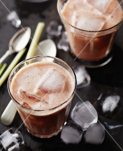 Blood orange, lemongrass and coconut milk smoothies